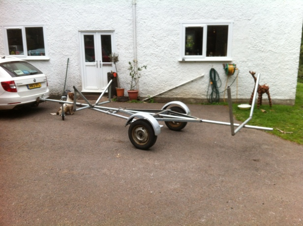 1 boat trailer